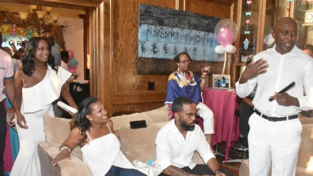 Housewives_Genderreveal5