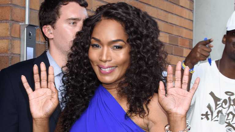 60 Yr Old Angela Bassett Trending On Twitter - For Amazing 'Butt'!!