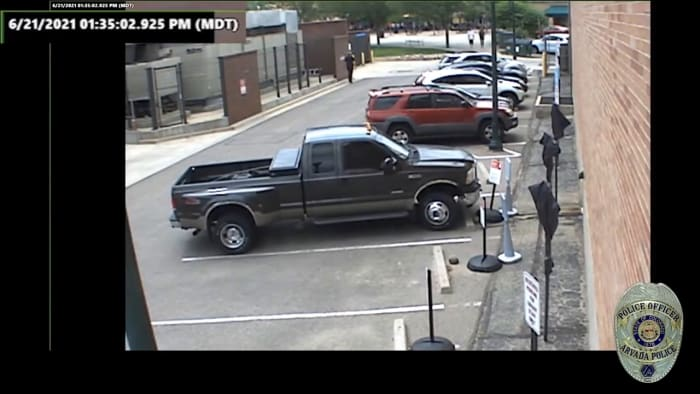 WARNING_ Video shows Olde Town Arvada shooting suspect fire weapon at police