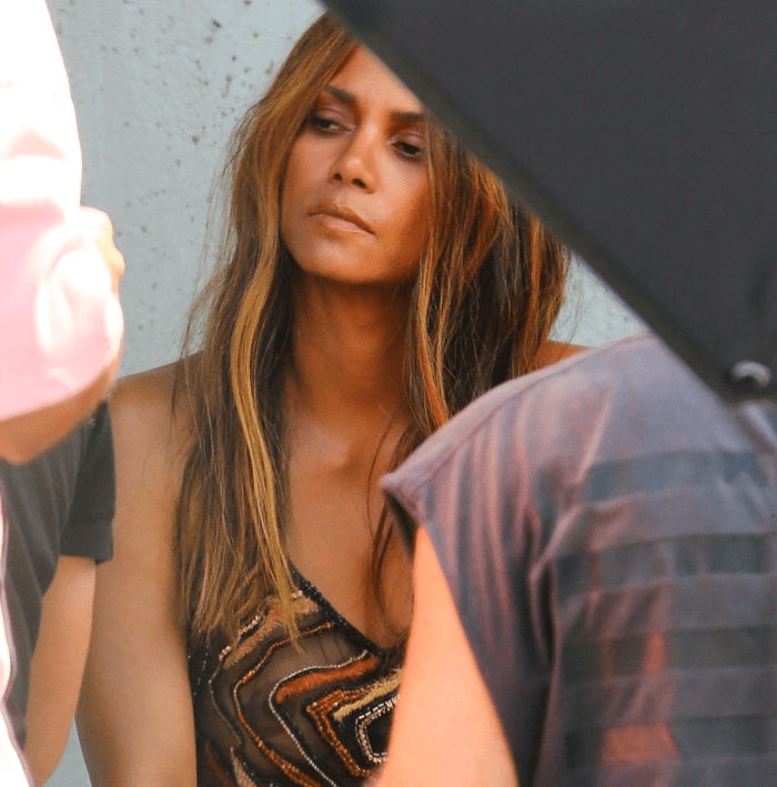 Halle_Topless2
